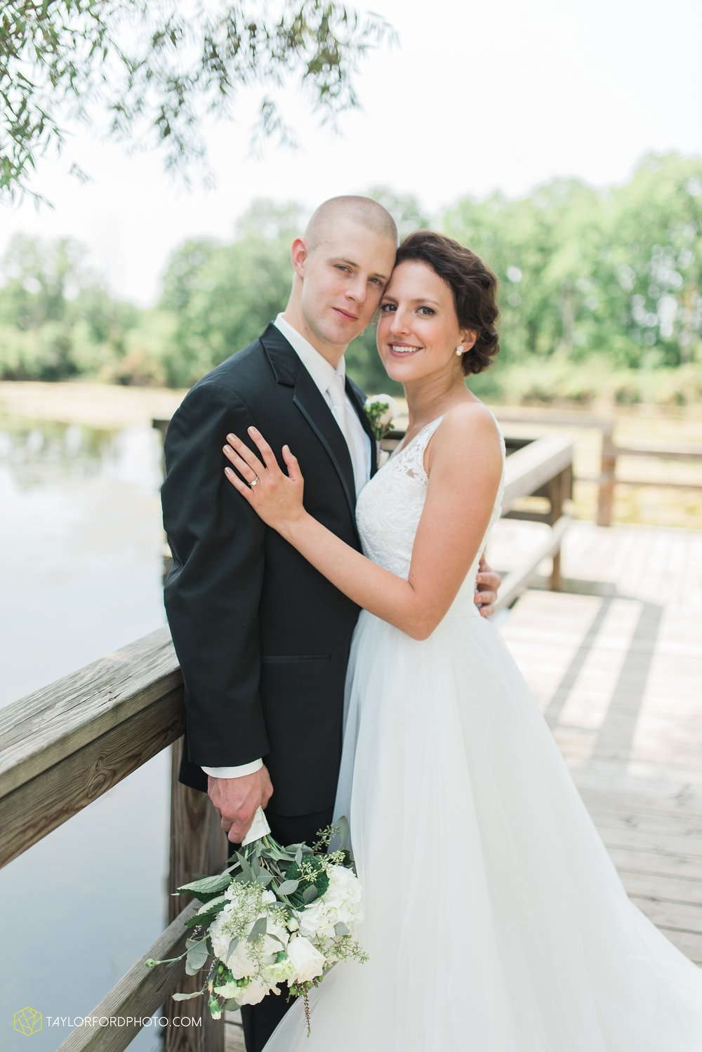 charlotte-battlecreek-michigan-wedding-photographer-Taylor-Ford-Photography-Ohio-Indiana_2912.jpg