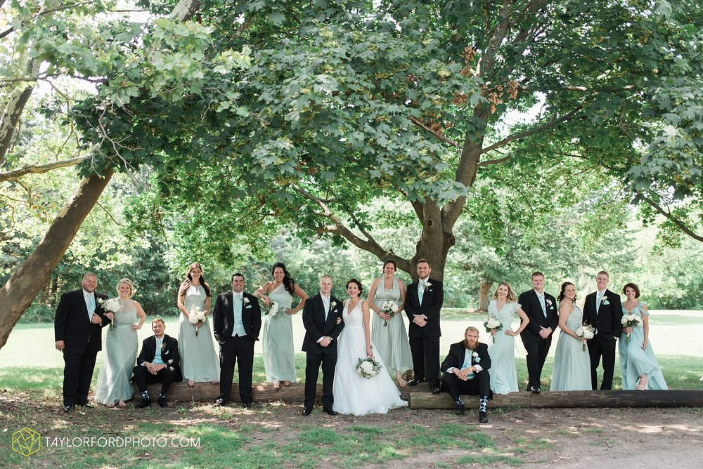 charlotte-battlecreek-michigan-wedding-photographer-Taylor-Ford-Photography-Ohio-Indiana_2915.jpg
