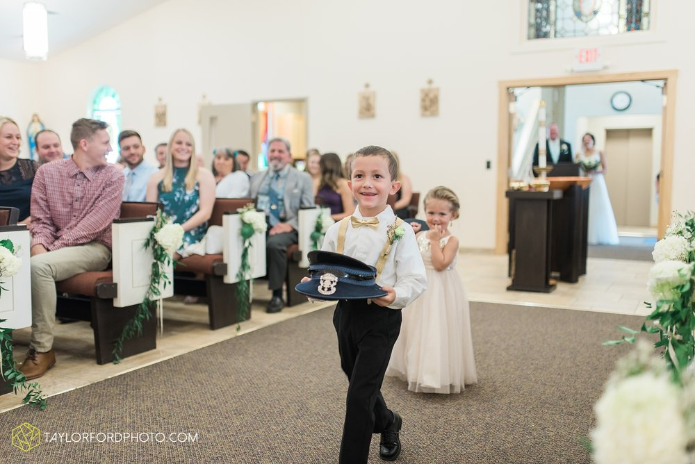charlotte-battlecreek-michigan-wedding-photographer-Taylor-Ford-Photography-Ohio-Indiana_2919.jpg