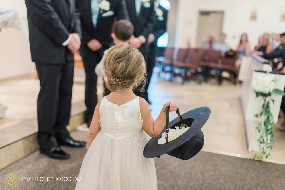 charlotte-battlecreek-michigan-wedding-photographer-Taylor-Ford-Photography-Ohio-Indiana_2920.jpg
