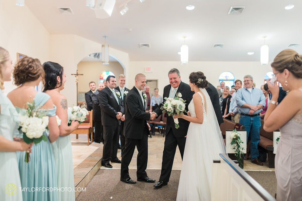 charlotte-battlecreek-michigan-wedding-photographer-Taylor-Ford-Photography-Ohio-Indiana_2923.jpg