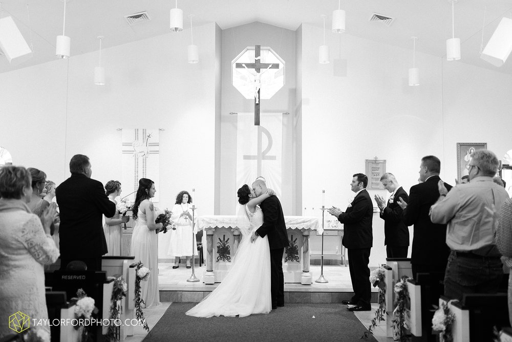 charlotte-battlecreek-michigan-wedding-photographer-Taylor-Ford-Photography-Ohio-Indiana_2927.jpg