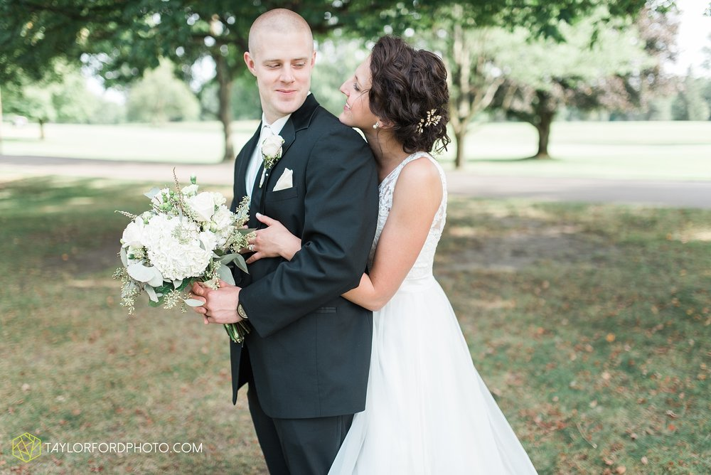 charlotte-battlecreek-michigan-wedding-photographer-Taylor-Ford-Photography-Ohio-Indiana_2929.jpg