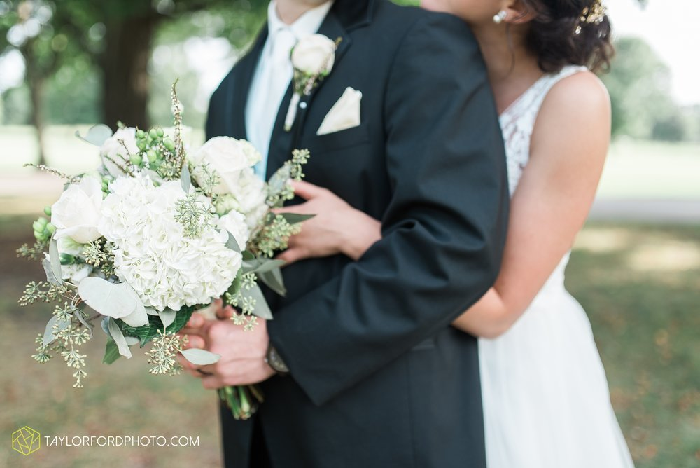 charlotte-battlecreek-michigan-wedding-photographer-Taylor-Ford-Photography-Ohio-Indiana_2930.jpg