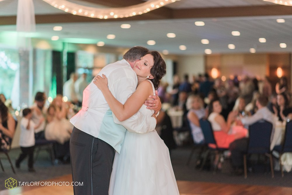 charlotte-battlecreek-michigan-wedding-photographer-Taylor-Ford-Photography-Ohio-Indiana_2958.jpg