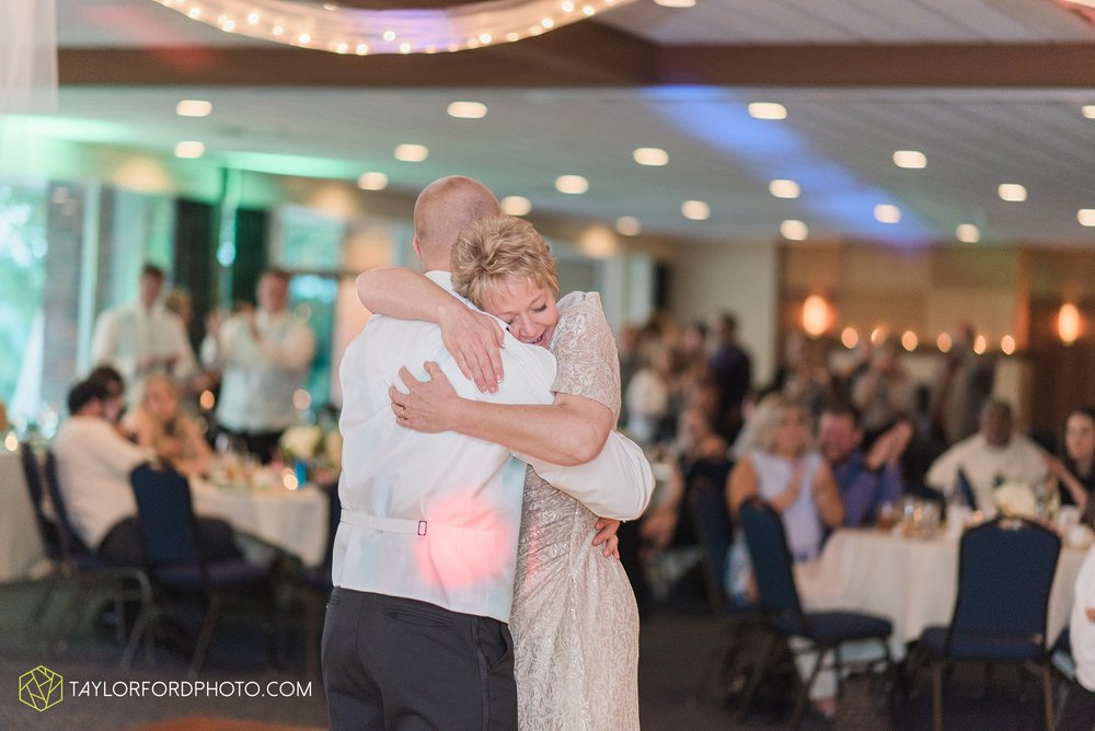 charlotte-battlecreek-michigan-wedding-photographer-Taylor-Ford-Photography-Ohio-Indiana_2960.jpg
