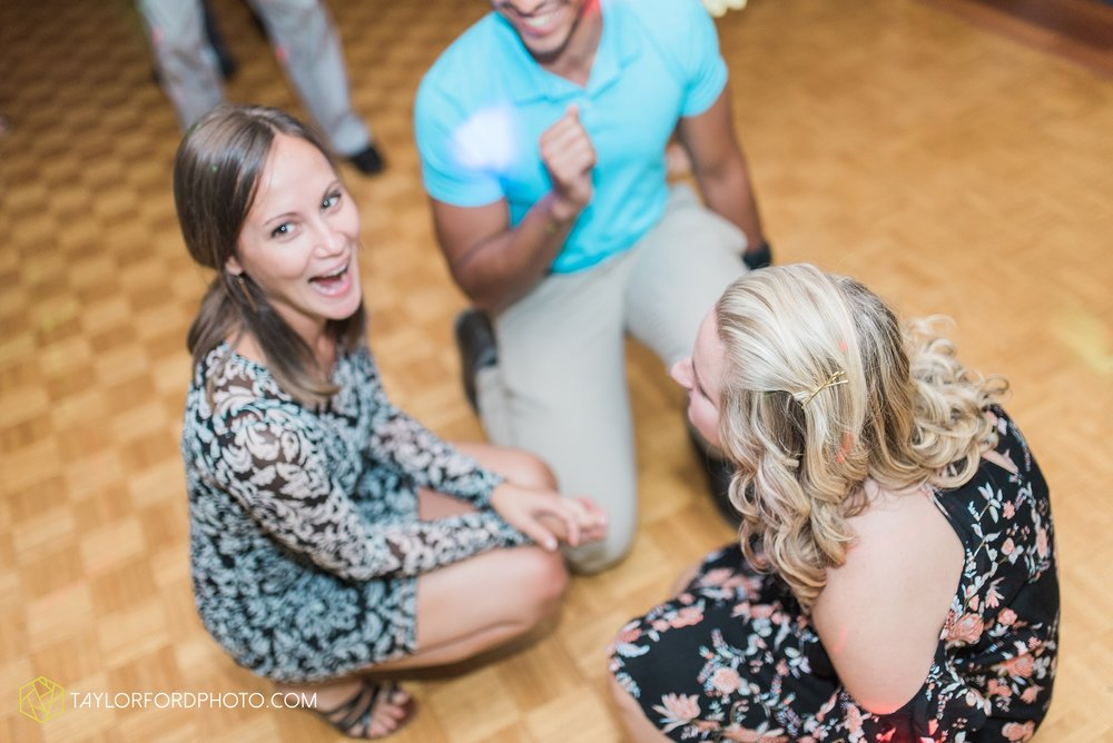 charlotte-battlecreek-michigan-wedding-photographer-Taylor-Ford-Photography-Ohio-Indiana_2978.jpg