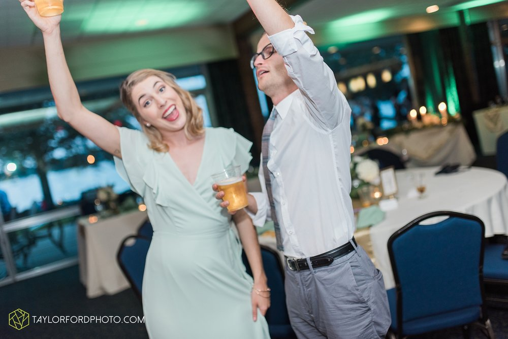 charlotte-battlecreek-michigan-wedding-photographer-Taylor-Ford-Photography-Ohio-Indiana_2979.jpg