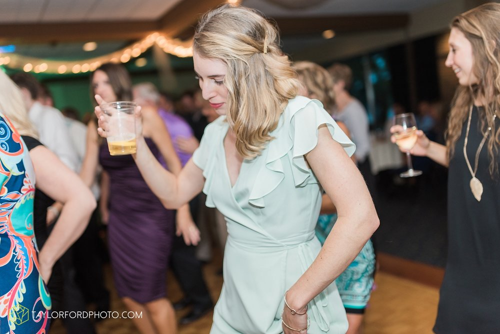 charlotte-battlecreek-michigan-wedding-photographer-Taylor-Ford-Photography-Ohio-Indiana_2982.jpg
