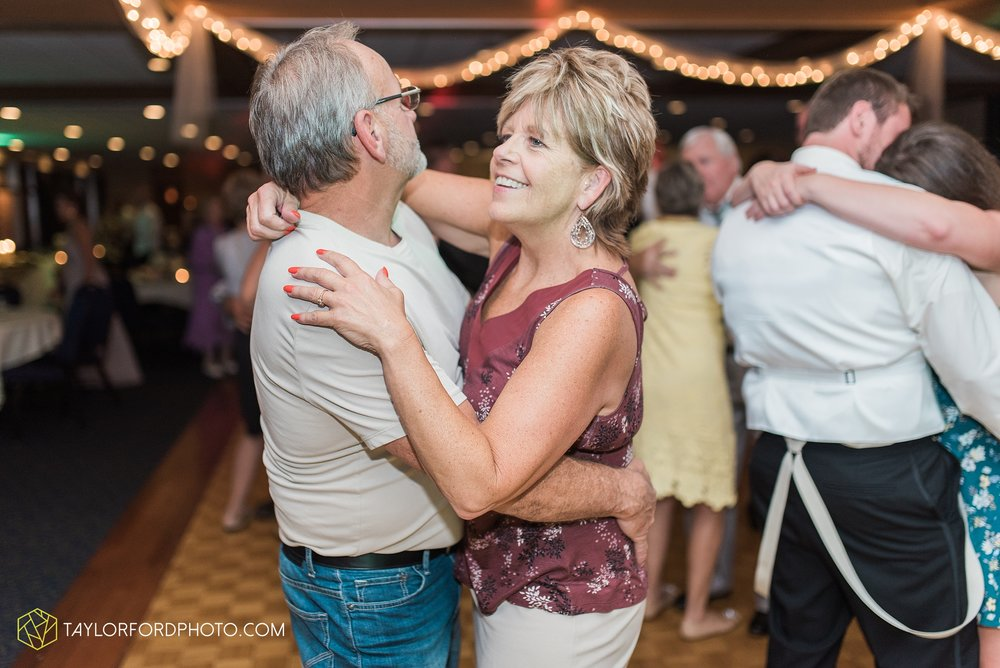 charlotte-battlecreek-michigan-wedding-photographer-Taylor-Ford-Photography-Ohio-Indiana_2983.jpg