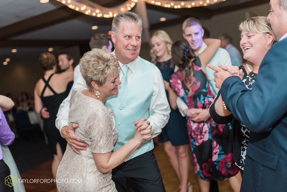 charlotte-battlecreek-michigan-wedding-photographer-Taylor-Ford-Photography-Ohio-Indiana_2985.jpg