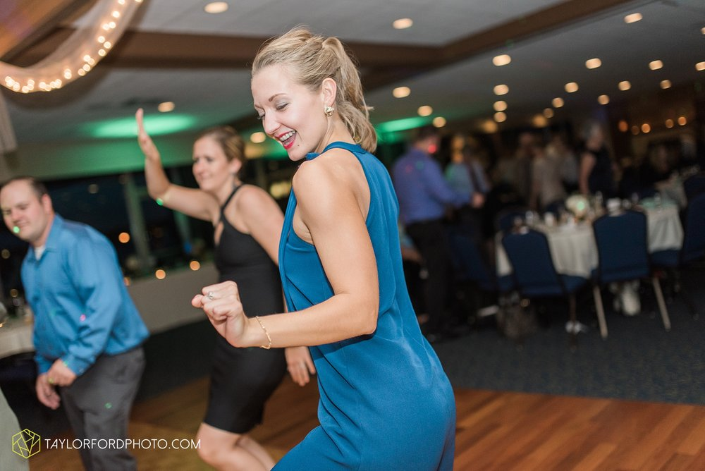 charlotte-battlecreek-michigan-wedding-photographer-Taylor-Ford-Photography-Ohio-Indiana_2990.jpg