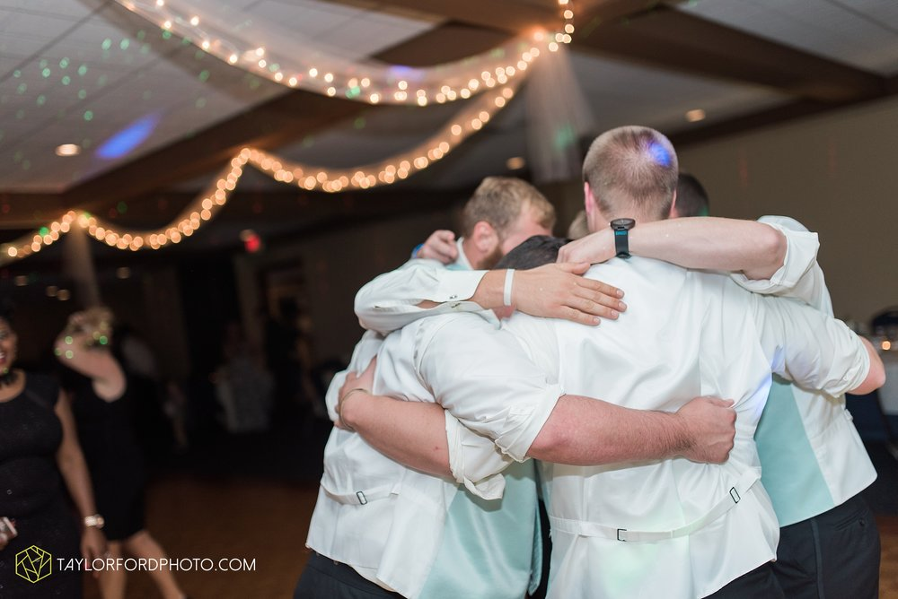 charlotte-battlecreek-michigan-wedding-photographer-Taylor-Ford-Photography-Ohio-Indiana_2992.jpg