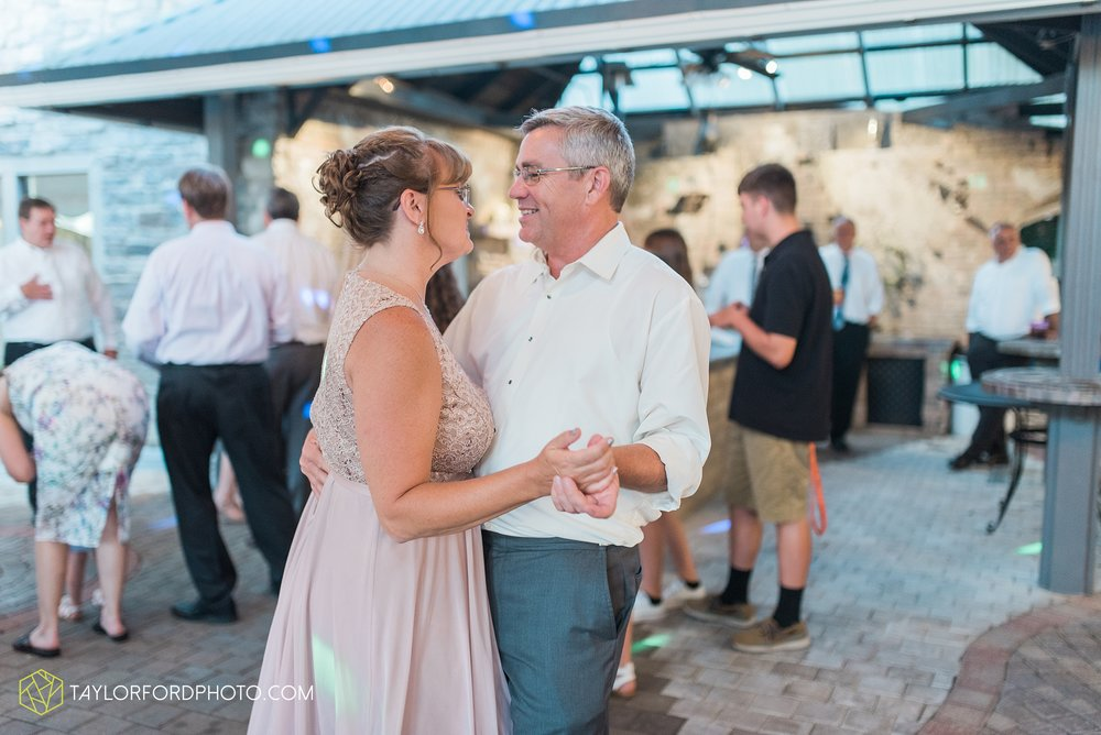 lima-ohio-wedding-photographer-wapak-soserene-wedding-venue-photographer-Taylor-Ford-Photography_3406.jpg