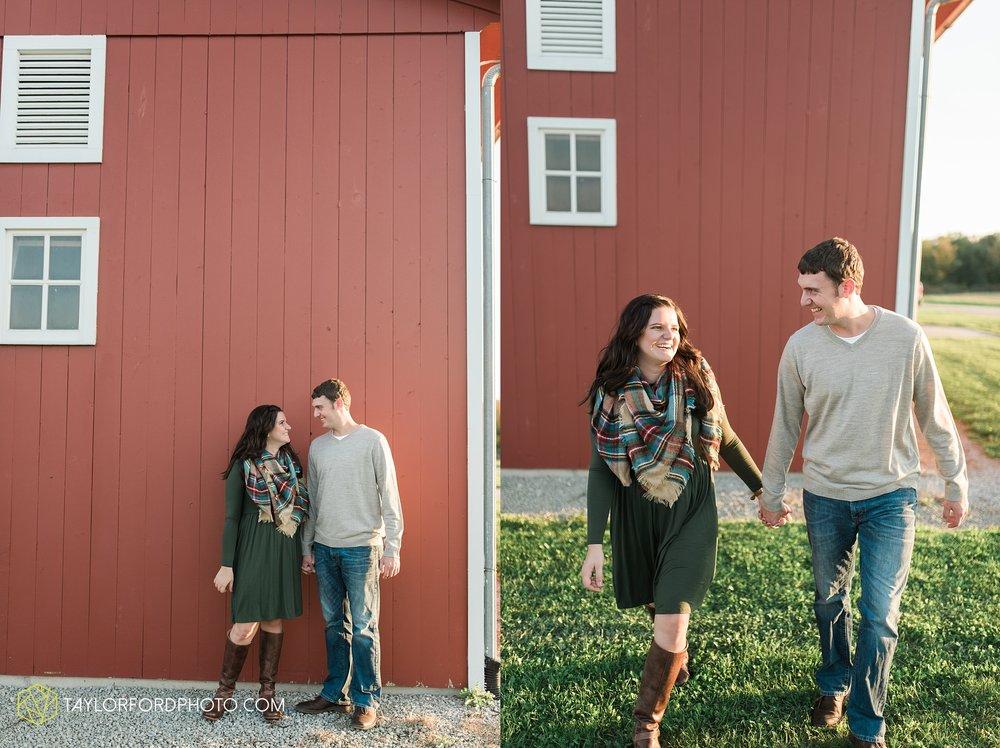 fort-wayne-indiana-engagement-wedding-photographer-Taylor-Ford-Photography-salomon-farm-park_3578.jpg