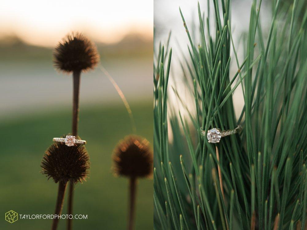 fort-wayne-indiana-engagement-wedding-photographer-Taylor-Ford-Photography-salomon-farm-park_3588.jpg