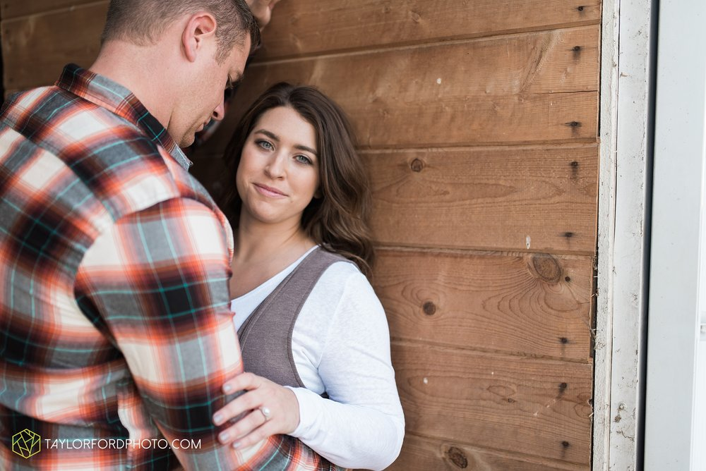 van-wert-ohio-engagement-wedding-photographer-Taylor-Ford-Photography_3603.jpg