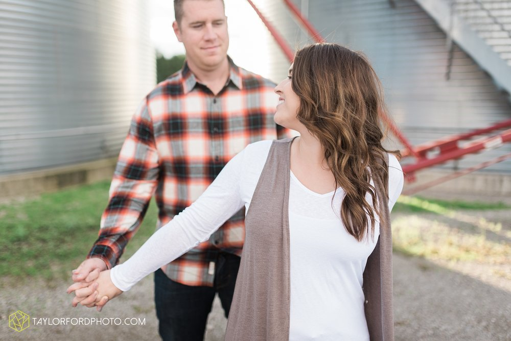 van-wert-ohio-engagement-wedding-photographer-Taylor-Ford-Photography_3608.jpg