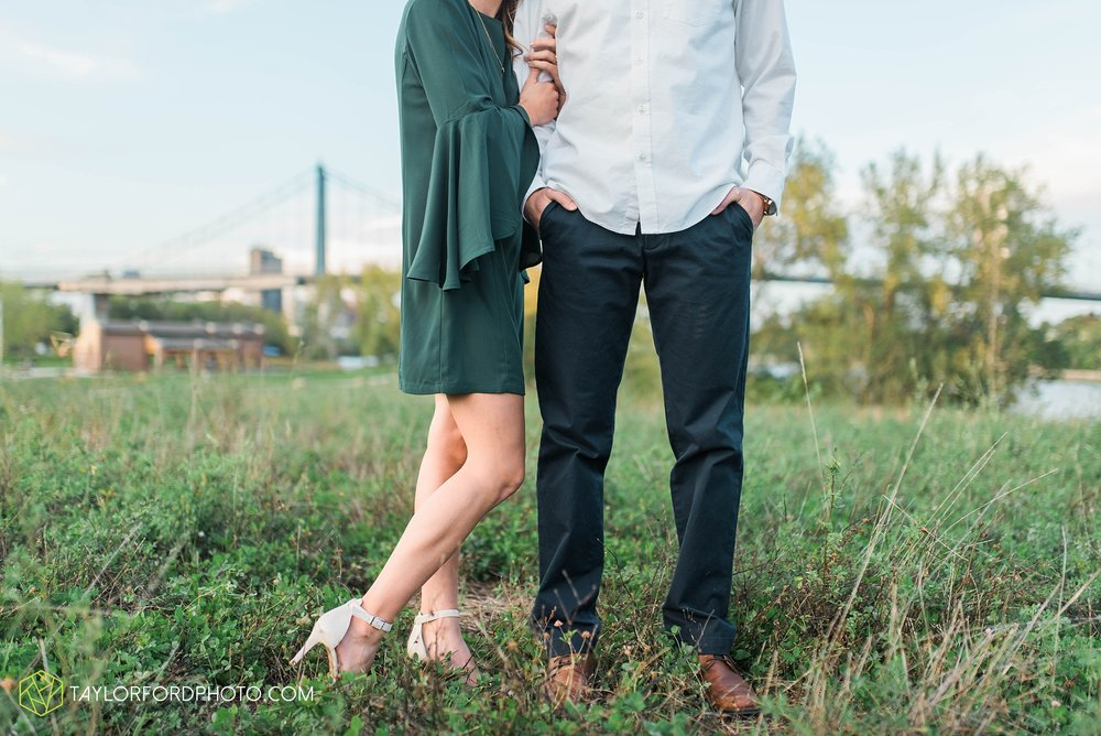 toledo-ohio-engagement-wedding-photographer-Taylor-Ford-Photography-oaks-openings-toledo-metro_3688.jpg
