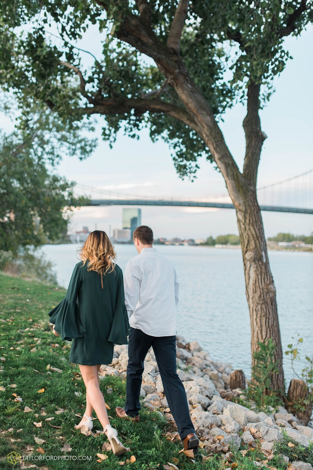 toledo-ohio-engagement-wedding-photographer-Taylor-Ford-Photography-oaks-openings-toledo-metro_3689.jpg