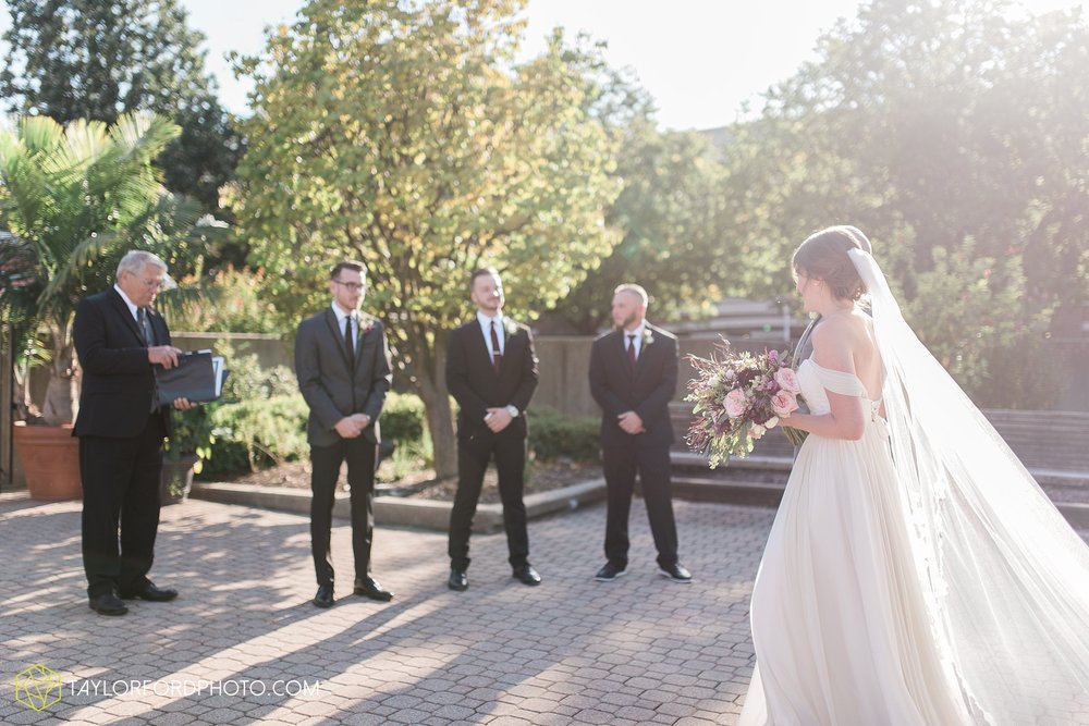 fort-wayne-indiana-wedding-photographer-Taylor-Ford-Photography-foellinger-freimann-botanical-conservatory_3884.jpg