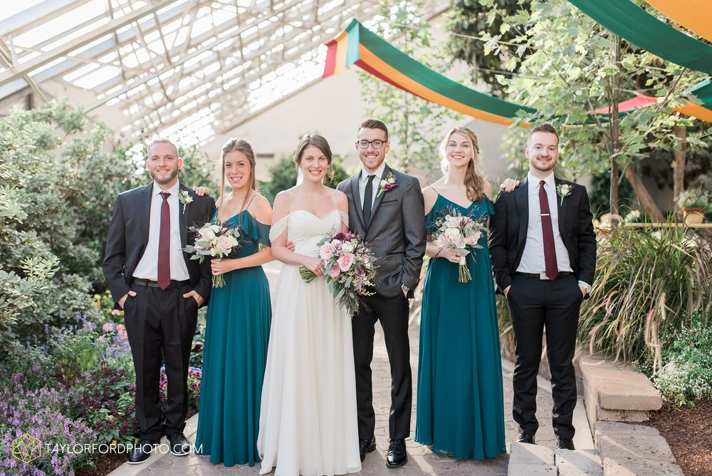 fort-wayne-indiana-wedding-photographer-Taylor-Ford-Photography-foellinger-freimann-botanical-conservatory_3965.jpg