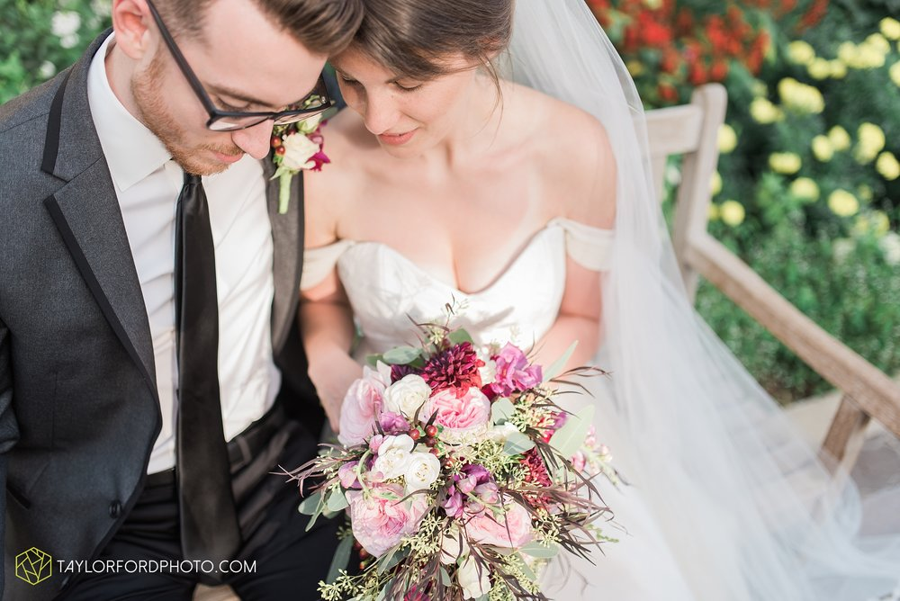 fort-wayne-indiana-wedding-photographer-Taylor-Ford-Photography-foellinger-freimann-botanical-conservatory_3970.jpg