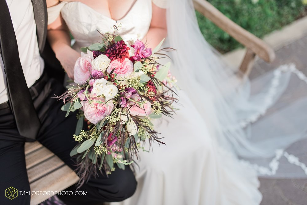 fort-wayne-indiana-wedding-photographer-Taylor-Ford-Photography-foellinger-freimann-botanical-conservatory_3971.jpg