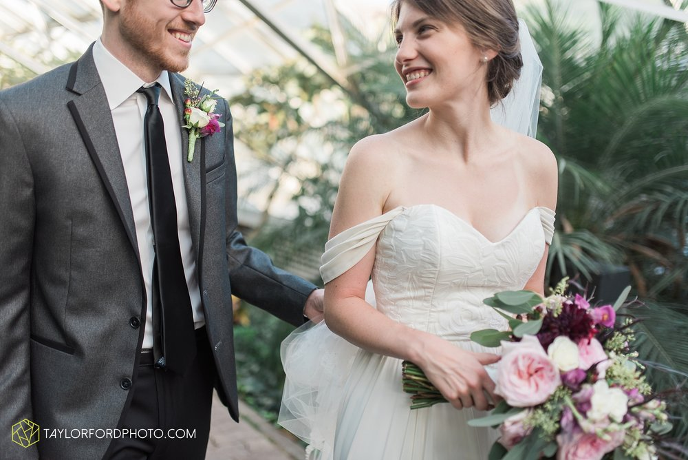 fort-wayne-indiana-wedding-photographer-Taylor-Ford-Photography-foellinger-freimann-botanical-conservatory_3975.jpg