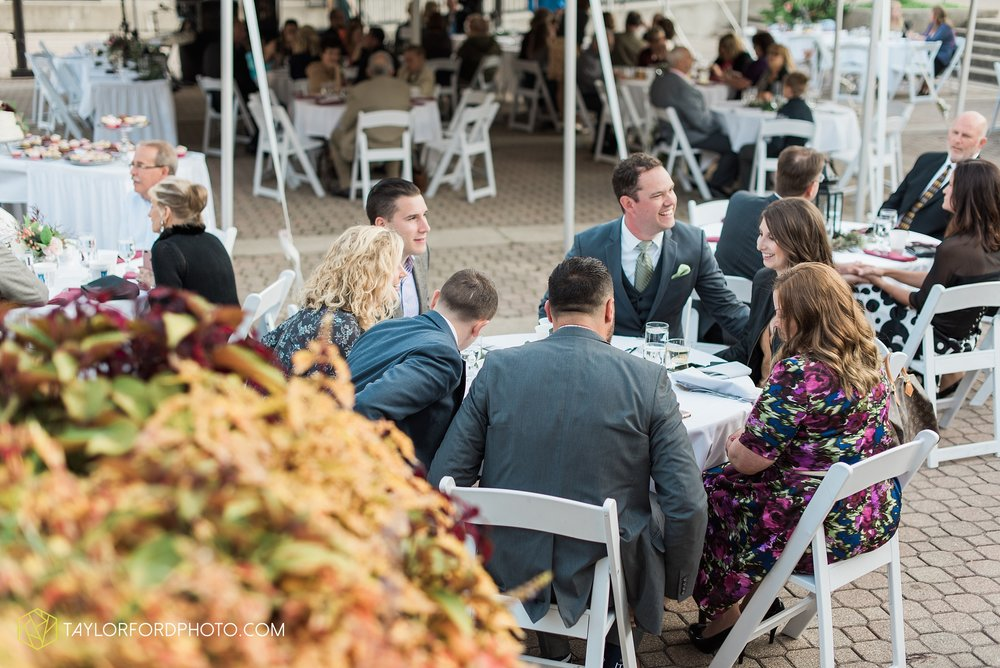 fort-wayne-indiana-wedding-photographer-Taylor-Ford-Photography-foellinger-freimann-botanical-conservatory_4046.jpg