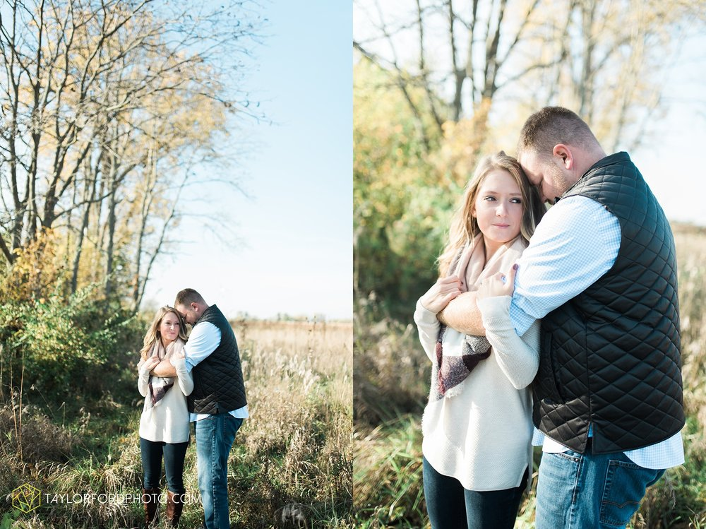 van-wert-ohio-engagement-wedding-photographer-Taylor-Ford-Photography-fall-farm-nature_4070.jpg