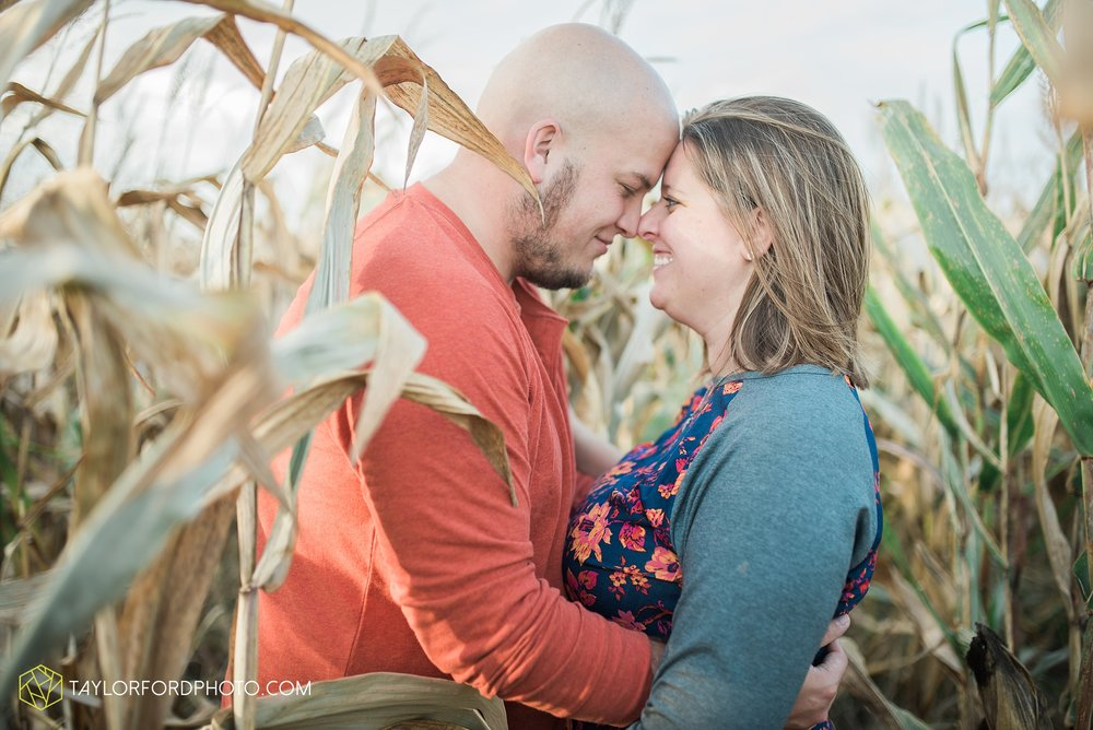 van-wert-ohio-engagement-wedding-photographer-Taylor-Ford-Photography-fall-farm-nature_4154.jpg