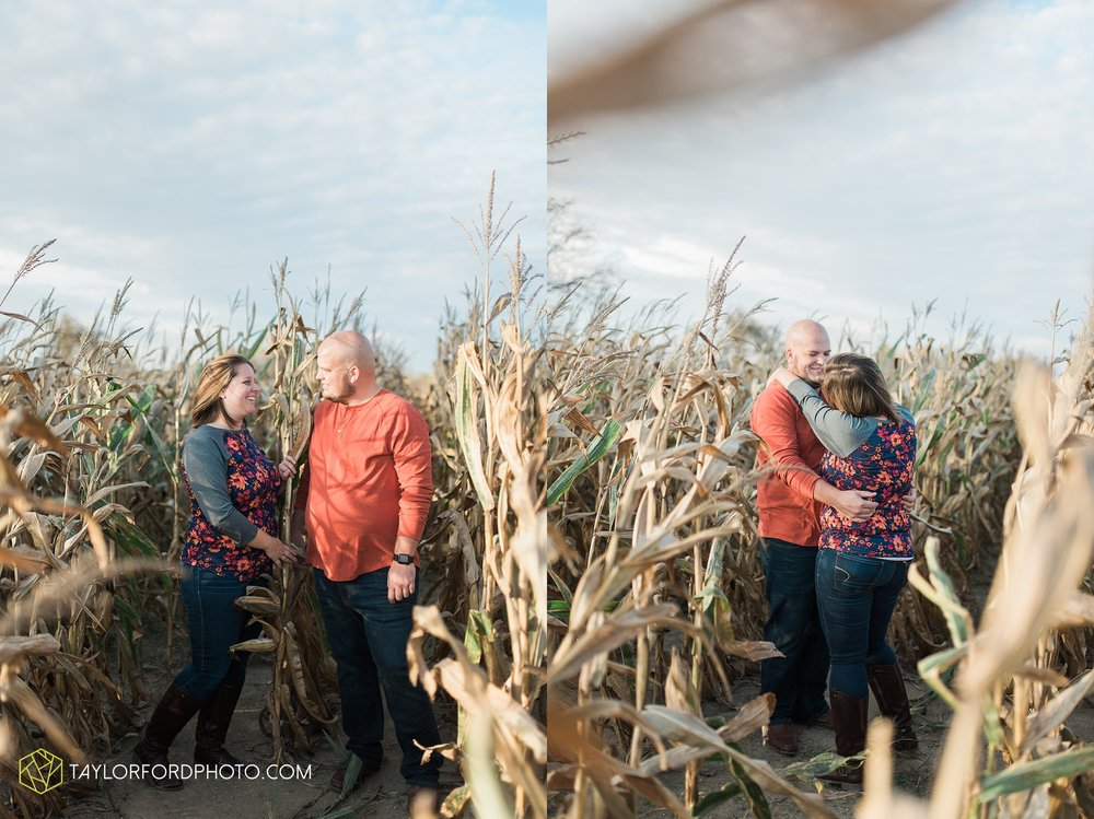 van-wert-ohio-engagement-wedding-photographer-Taylor-Ford-Photography-fall-farm-nature_4155.jpg