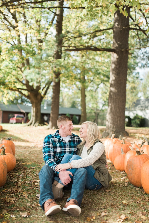 fort-wayne-leo-indiana-engagement-wedding-photographer-Taylor-Ford-Photography-fall-farm-nature-october-pumpkin-patch_4160.jpg