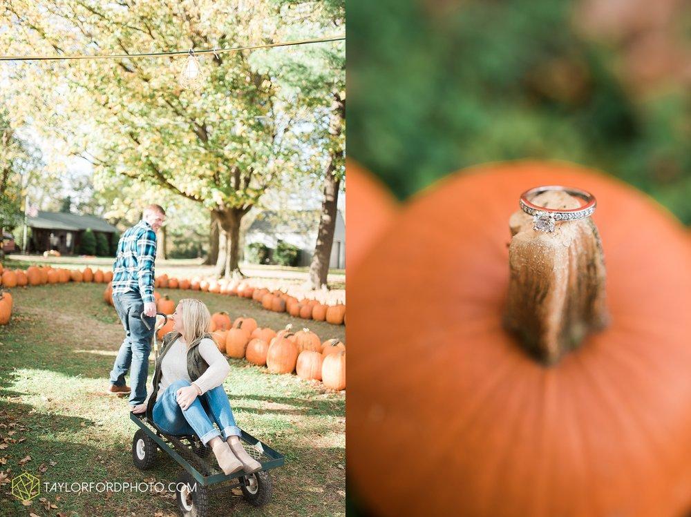 fort-wayne-leo-indiana-engagement-wedding-photographer-Taylor-Ford-Photography-fall-farm-nature-october-pumpkin-patch_4164.jpg