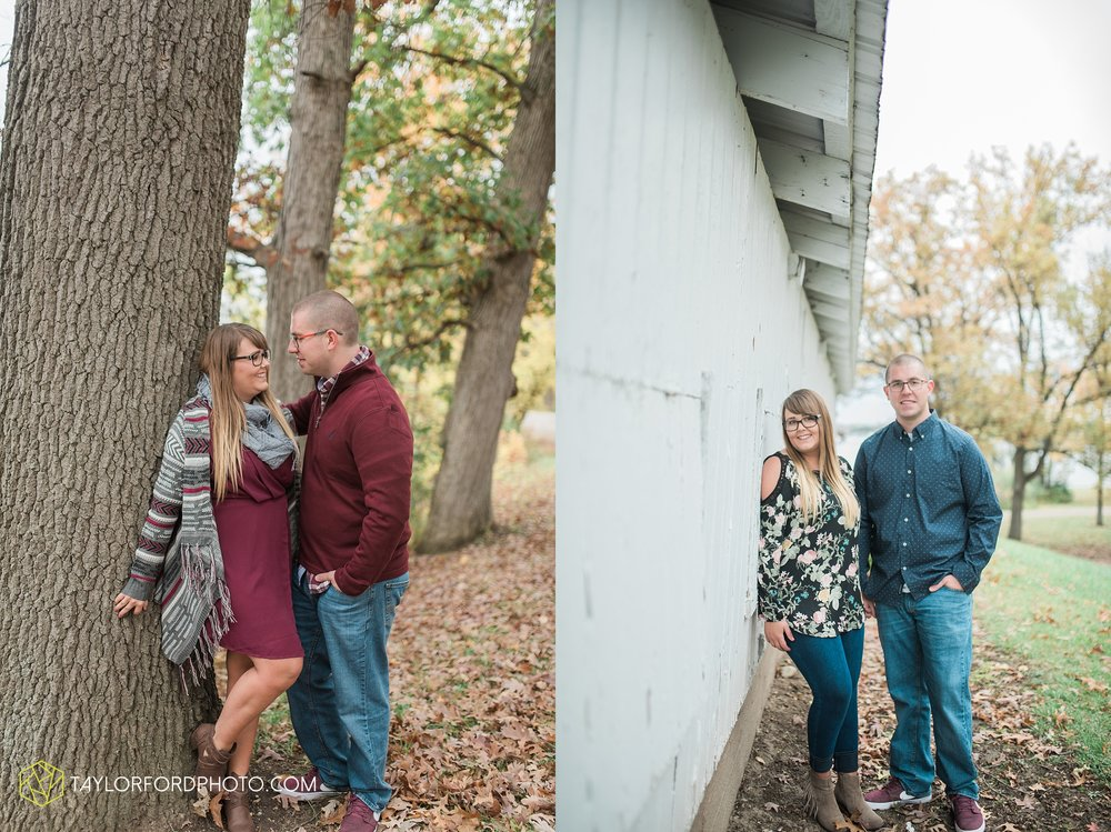 angola-indiana-crooked-lake-engagement-wedding-photographer-Taylor-Ford-Photography-winter-frozen-lake_4249.jpg
