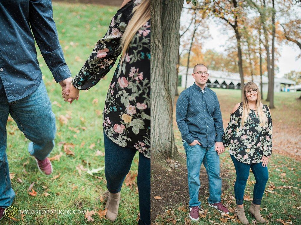 angola-indiana-crooked-lake-engagement-wedding-photographer-Taylor-Ford-Photography-winter-frozen-lake_4252.jpg