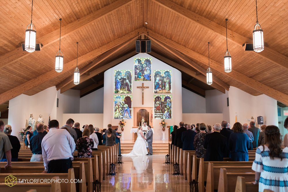 van-wert-ohio-wedding-photographer-Taylor-Ford-Photography-saint-marys-assumption-willow-bend-golf-course_4307.jpg