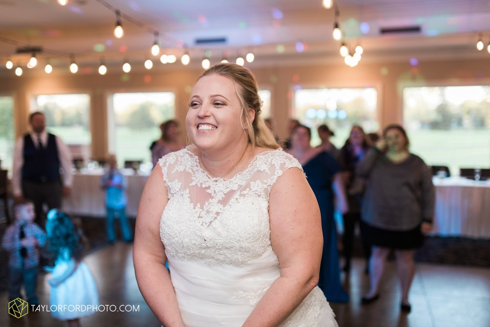 van-wert-ohio-wedding-photographer-Taylor-Ford-Photography-saint-marys-assumption-willow-bend-golf-course_4371.jpg