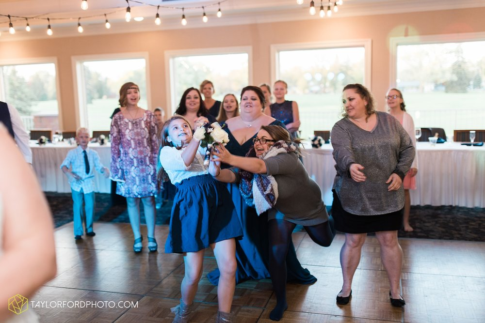 van-wert-ohio-wedding-photographer-Taylor-Ford-Photography-saint-marys-assumption-willow-bend-golf-course_4372.jpg