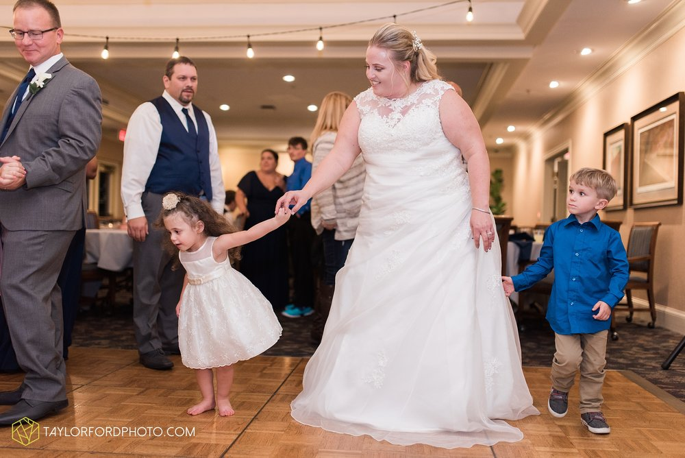 van-wert-ohio-wedding-photographer-Taylor-Ford-Photography-saint-marys-assumption-willow-bend-golf-course_4380.jpg