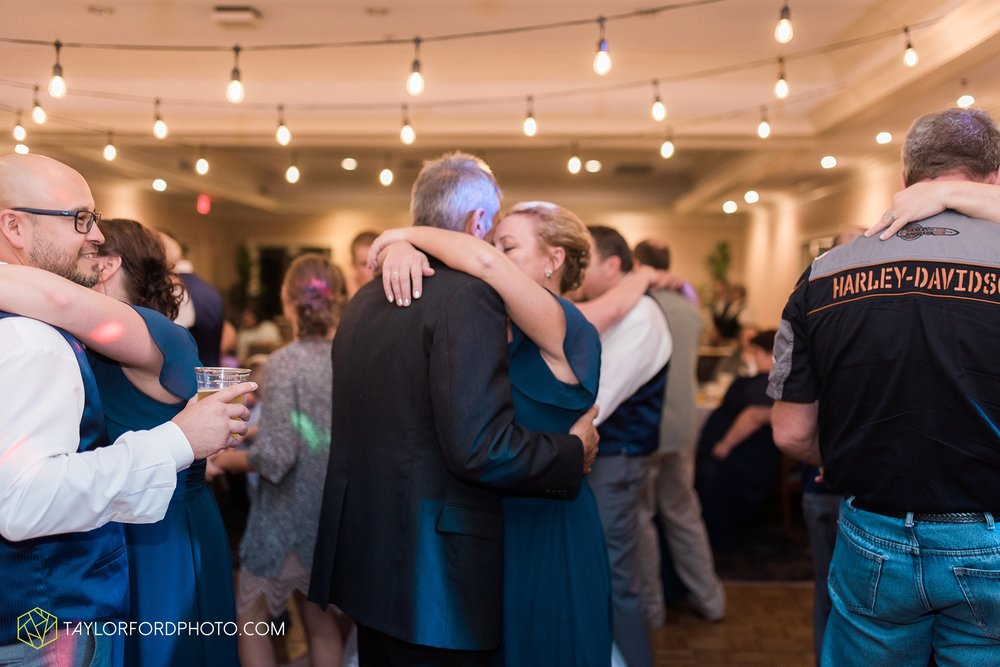 van-wert-ohio-wedding-photographer-Taylor-Ford-Photography-saint-marys-assumption-willow-bend-golf-course_4392.jpg