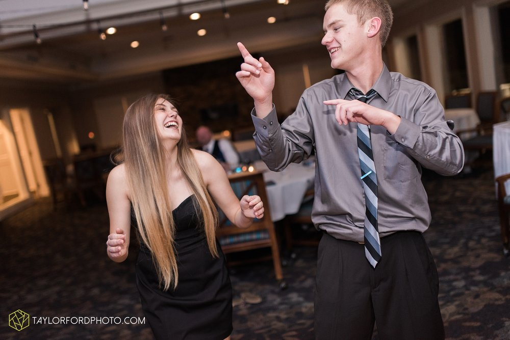 van-wert-ohio-wedding-photographer-Taylor-Ford-Photography-saint-marys-assumption-willow-bend-golf-course_4402.jpg