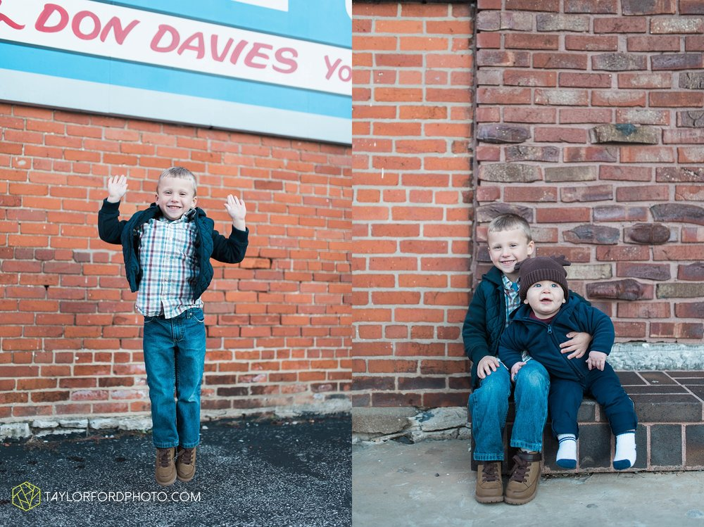 van-wert-ohio-family-photographer-downtown-urban-Taylor-Ford-Photography_4609.jpg