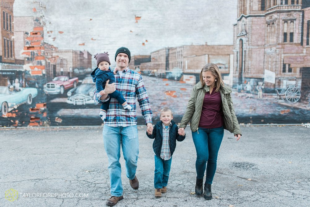 van-wert-ohio-family-photographer-downtown-urban-Taylor-Ford-Photography_4618.jpg