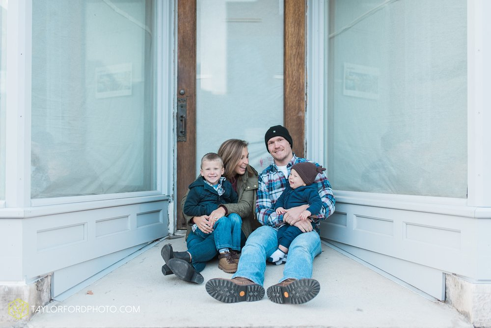 van-wert-ohio-family-photographer-downtown-urban-Taylor-Ford-Photography_4621.jpg