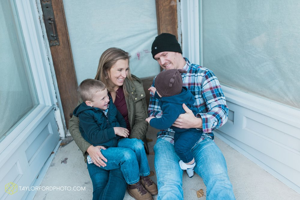 van-wert-ohio-family-photographer-downtown-urban-Taylor-Ford-Photography_4622.jpg