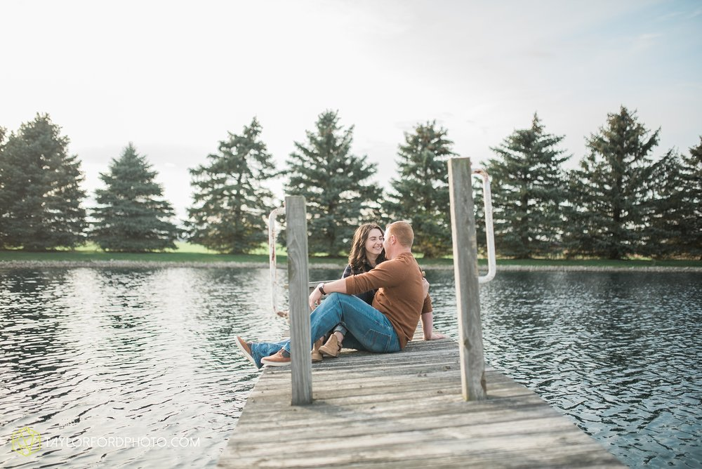 van-wert-ohio-engagement-photography-farm-life-photographer-Taylor-Ford-Photography_4521.jpg