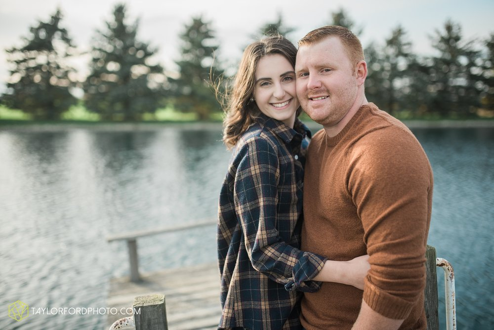 van-wert-ohio-engagement-photography-farm-life-photographer-Taylor-Ford-Photography_4524.jpg