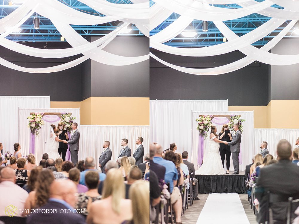 fort-wayne-indiana-wedding-photographer-cerutis-banquet-and-event-center-homewood-suites-by-hilton-Taylor-Ford-Photography_4716.jpg